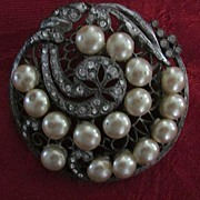 Faux Pearl and Rhinestone Art Nouveau Round Pierced Brooch
