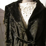 "Victorian Heavy Velvet Full Length Coat with 10"" Fur Edged Collar"