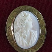 Small Gold Filled Shell Cameo Pin