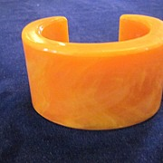 Marbled Butterscotch Catalin Chunky Cuff Bracelet