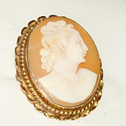 "Vintage 1 1/2"" Pink Shell Cameo Woman with Pearls 120 10K gold Frame"