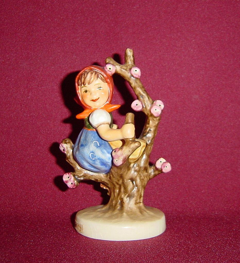 Goebel MI Hummel Apple Tree Girl 141 TMK5