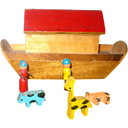 Doll Size Painted Wood Noah's Ark 1940-1950's  with 2 Wee People 3 Little Animals