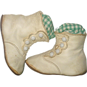 4. 75 Inch Edwardian Ivory Kid 4 Button High Top Flat Sole Shoes