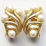 Vintage Crown Trifari Faux Pearl Goldtone Clip Earrings Classic