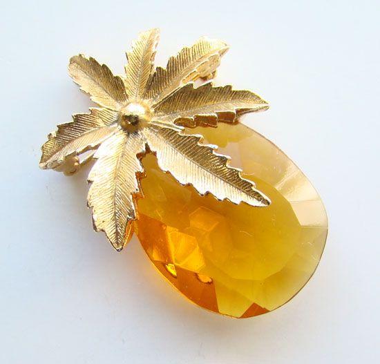 1964 Sarah Coventry Autumn Haze Amber Pineapple Pin Pendant