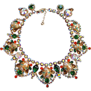 Juliana DeLizza & Elster Rhinestone Collar Necklace Coral Gold Splattered Book Piece