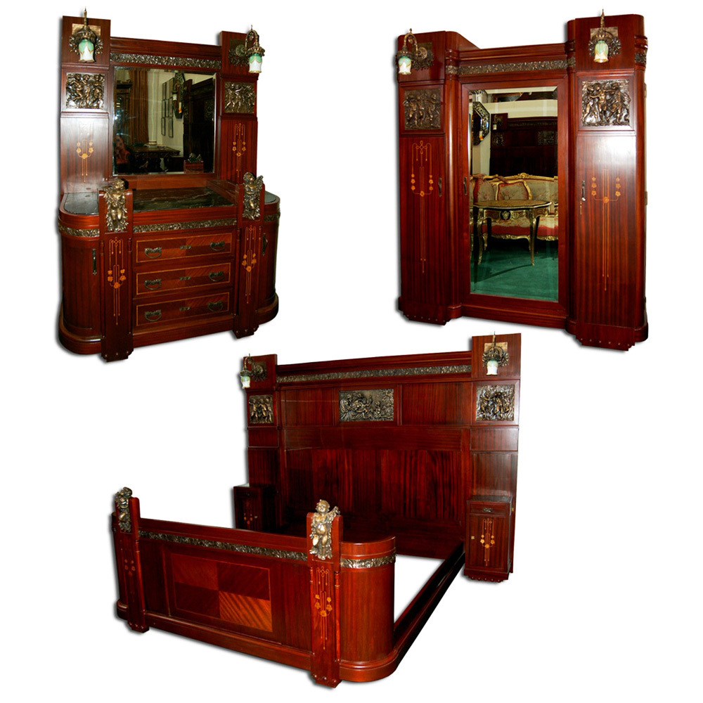1197 Early 20th C 3 Piece Italian Mahogany King Size Bedroom Suite