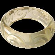 Lucite Carved Bangle Bracelet / Clear Lucite Bracelet / Vintage Lucite / Fashion Jewelry