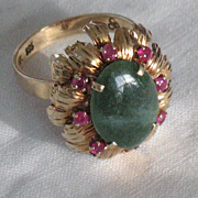 REDUCED Jade & rubies 14 K  gold ring with green jade & 8 rubies hallmarks size 9