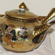 SALE Japanese porcelain tea pot Satsuma decoration   47 Ronins