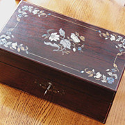 REDUCED Redwood Tea Caddy 19th century with brass silver bone mop inlay detail