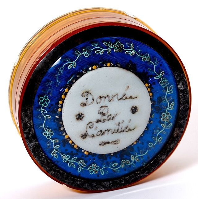 "Petit Antique Georgian 1700s French Bonboniere (Bon bon)  or Snuff Box, ""D'amitie"""