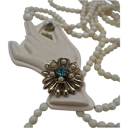 Ivory Celluloid Victoria Style Hand Necklace