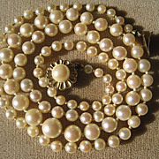 SHOP SPECIAL Vintage Long Strand Cultured Pearl Necklace with Gold 14K Gold Clasp EGL Certific