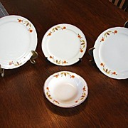 :    Hall's China Jewel Tea Autumn Leaf 4 Pieces Fruit Dish Bread and Butter Plate 2 Dessert