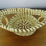 Vintage Charleston Sweet Grass Basket, Oval with Open Rings
