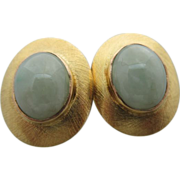 Vintage 14 Kt Yellow Gold And Jade Stud Earrings