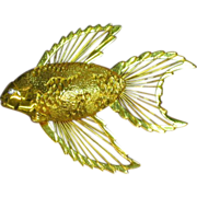 Figural Fish Strung Wire Heavy Gold tone Pin Brooch