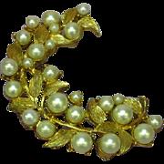 Crown Trifari Gold-tone Imitation Pearls Rare Pin Brooch