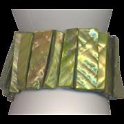 Green Shell Stretch Bracelet