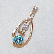 Retro Pendant 14k Gold Blue Zircon & Diamond