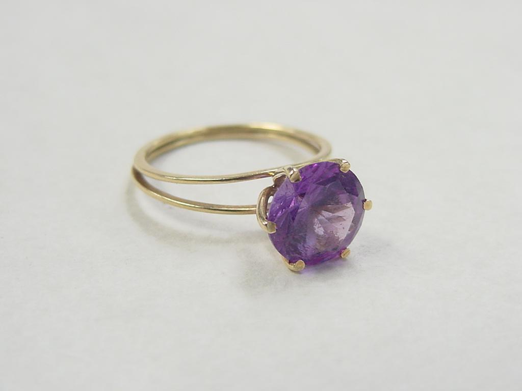 vintage 18k gold alexandrite ring from arnoldjewelers on