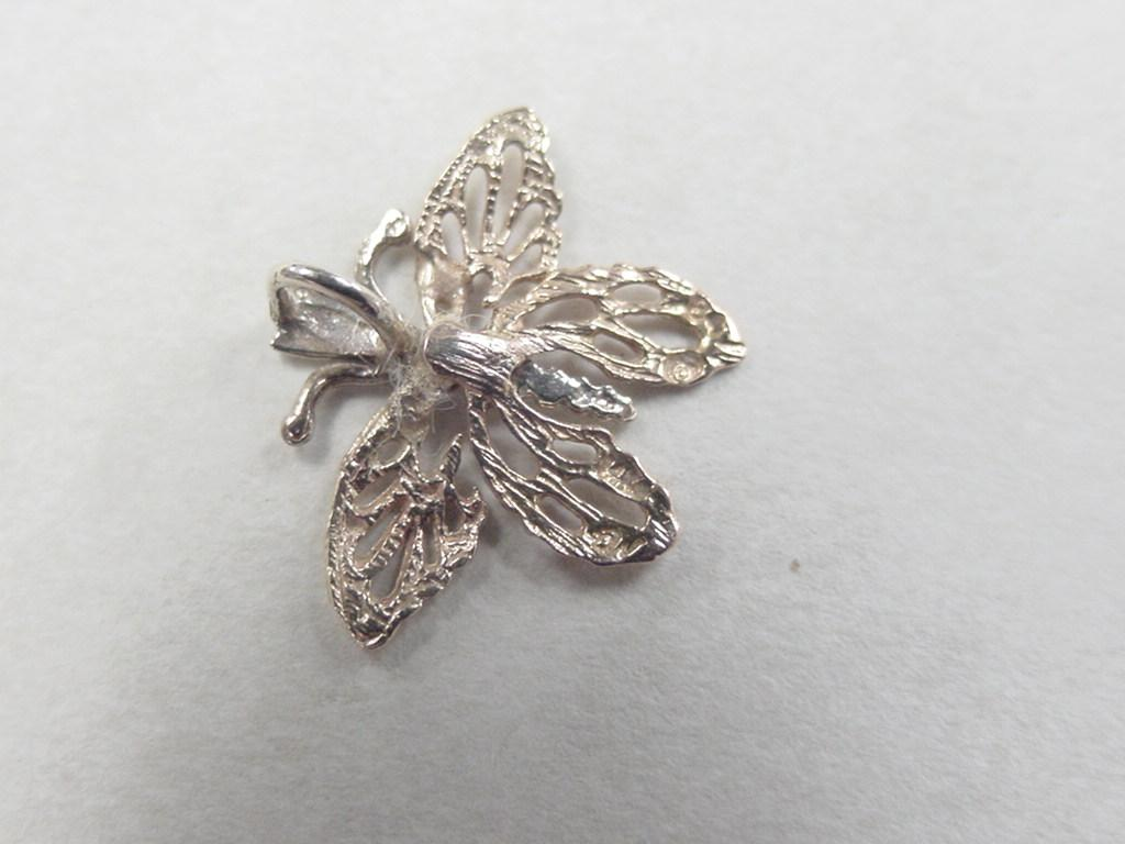 vintage 14k gold tri color butterfly charm from