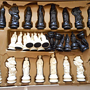 Renainissance Vintage Chess Set