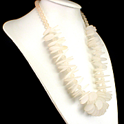 Large Bold 1960s Mod Frosted Lucite Disc Necklace