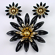 SOLD Dramatic Large Sarah Coventry Black Enamel Flower Brooch and Earrings