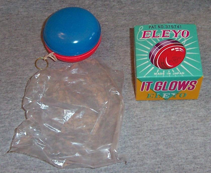 Vintage Eleyo Battery Operated Glowing Yo-Yo with Box 1960's