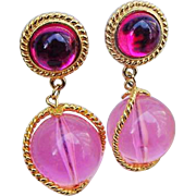 SALE BG402 Fantastic Lucite Hot Pink & Magenta Gleaming Gold Tone 2inch Dangle Ball Earrings N