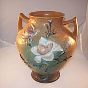 Nice Large Roseville Vase - Magnolia Pattern 8 inch - excellent condition