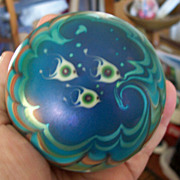 Gorgeous early Lundberg Studios Art Glass Paperweight - 1976