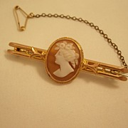 Lovely Edwardian 9 carat gold Cameo Bar Pin - different!