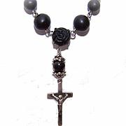 Vintage Silver Metal & Black Bead Floral/Cross Necklace!