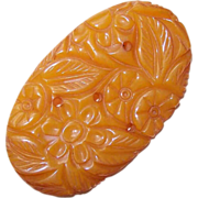 LARGE 1940s Carved Butterscotch Bakelite Pin/Brooch!