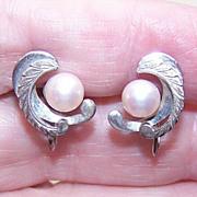 Vintage Pair of STERLING SILVER & Cultured Pearl Screwback Earrings!