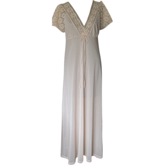 Vintage Vitos Pale Pink Nightgown made in France