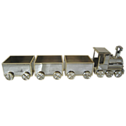 Mirrored Train  with Moving Wheels and Three Cars