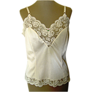 SOLD Vintage Maidenform Chantilly Chemise with Pretty Lace