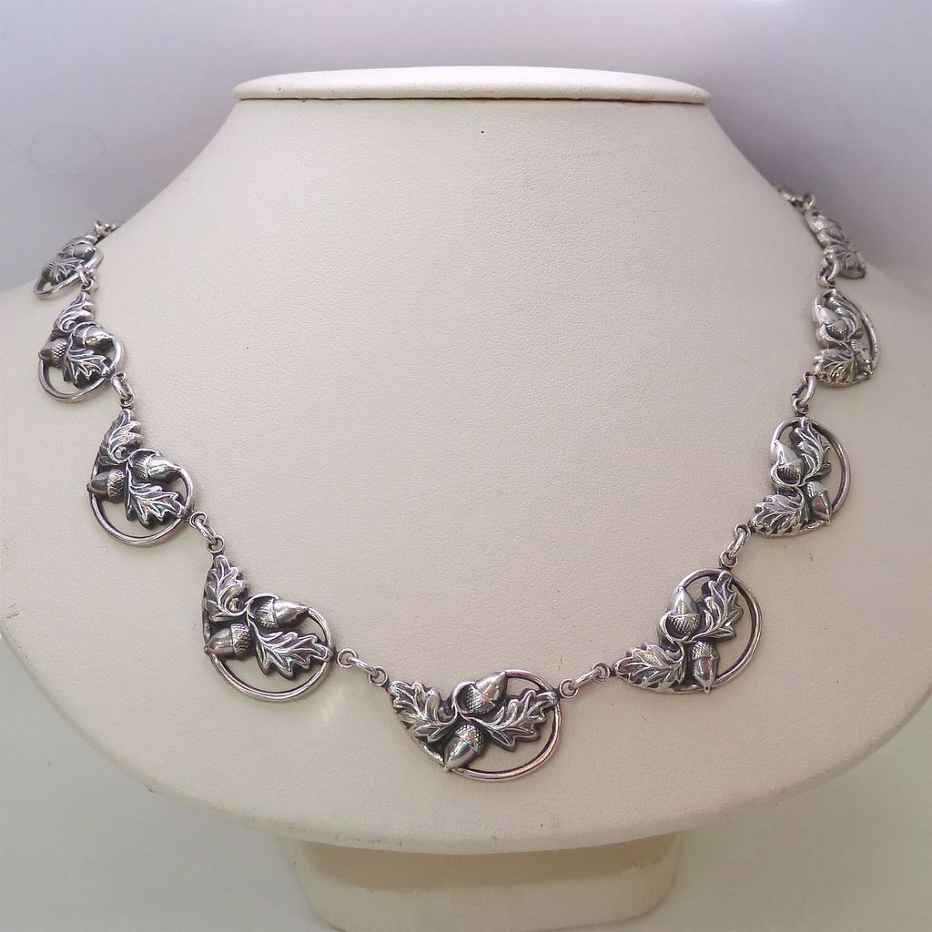 013x20necklacex20danecraftx20acorns for Acorn necklace craft