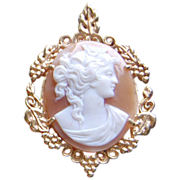 REDUCED Vintage 14K Gold Oval Shell Cameo Pendant