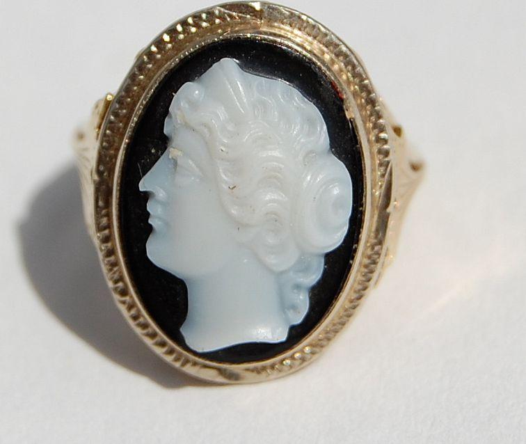 Antique Victorian 14K Gold Sardonyx Cameo Ring