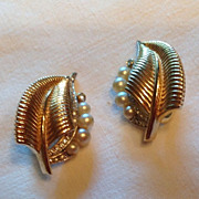 Vintage Faux Pearl Clear Paste Rhinestone Trifari Clip Earrings