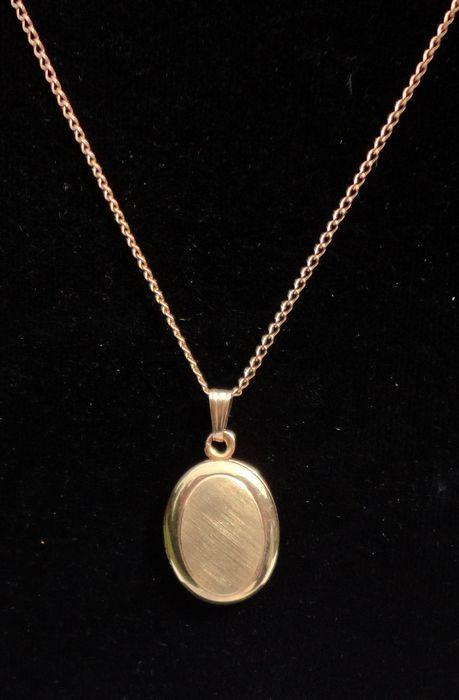 "Vintage 14K Gold Filled Oval Double Photo Locket & 18"" 12K Gold Filled Chain"