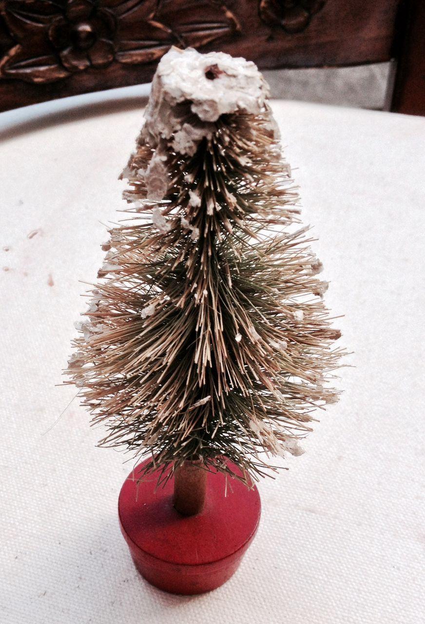 "Vintage Bottle Brush 6"" Christmas Tree"