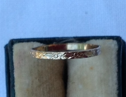 Vintage 10K Gold Baby Band Ring