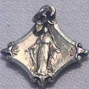 Rare Vintage Virgin Mary Miraculous Medal Pope Pivs XII